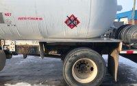Vue de l'arrière de la citerne d'un camion-citerne Kenworth T300 2001   Camion-citerne   Mesures Calib-Tech   Montréal