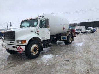 Camion-citerne international 4900 1999 blanc | Camion-citerne | Mesures Calib-Tech | Montréal